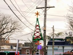 Red Bank Holiday Decorations Horse Rides 26 of 33