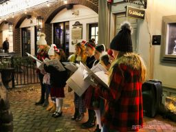 Goldtinker carolers from The Prep NJ 7 of 43