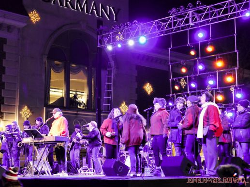 Holiday Express Concert Town Lighting 101 of 150