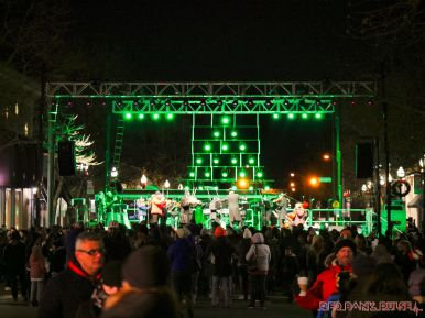 Holiday Express Concert Town Lighting 125 of 150