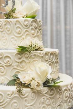 Red Bank Wedding Cake Guide Chocolate Carousel 3